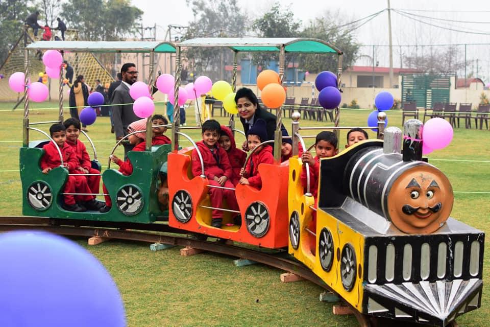 KIDS FUN PARTY IN SCHOOL CAMPUS